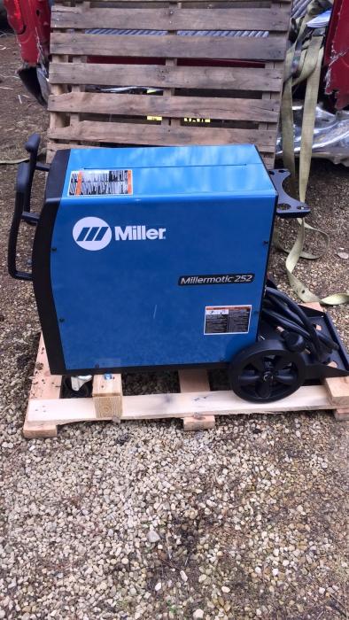 Millermatic 252 Mig Welder 208 230 Volt 907321