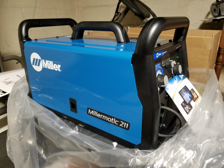 Millermatic 211 MIG Welder With Advanced Auto-Set 907614