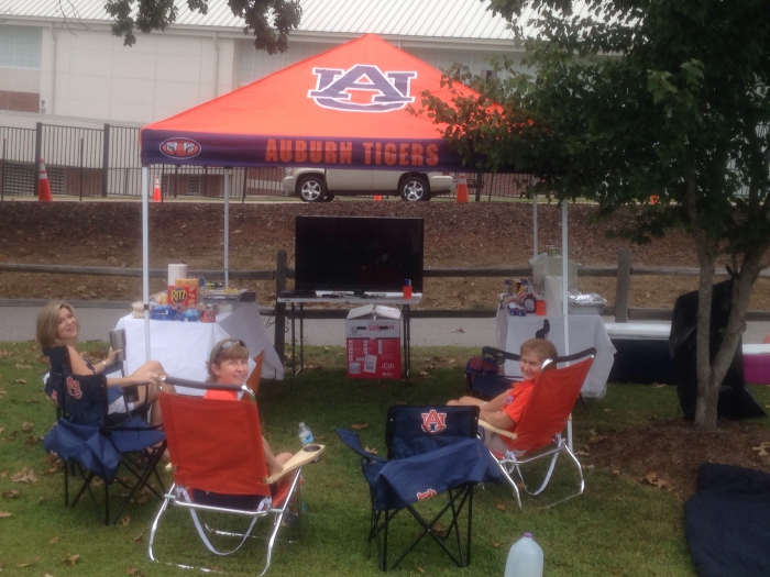 I would recommend this item to a friend. Awesome tent & Georgia Bulldogs Tailgate Tent Canopy - Checkerboard