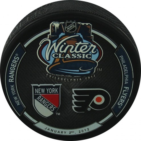 2012 Winter Classic Puck with Team Logo's