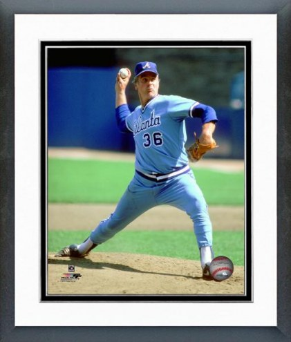 Atlanta Braves Gaylord Perry 1981 Action Framed Photo