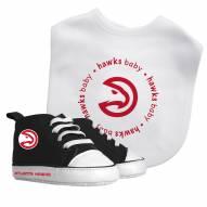 Atlanta Hawks Infant Bib & Shoes Gift Set