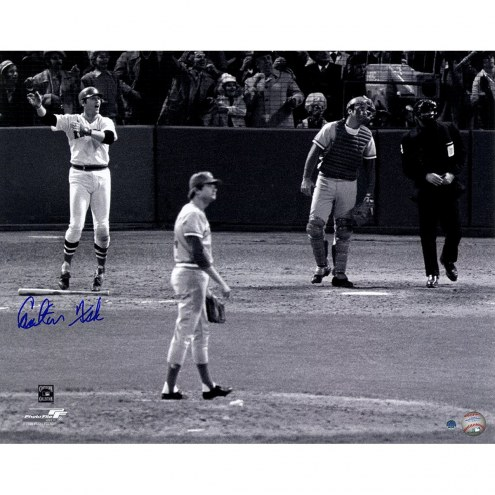Boston Red Sox Carlton Fisk Signed 1975 WS Game 6 Home Run Vertical 16 x 20 Photo