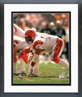 Cincinnati Bengals Anthony Munoz In three point stance Framed Photo