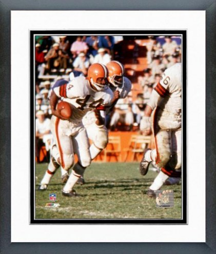 Cleveland Browns Leroy Kelly Action Framed Photo