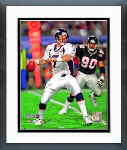 Denver Broncos John Elway Super Bowl XXXIII Action Framed Photo