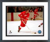 Detroit Red Wings Alex Delvecchio Action Framed Photo