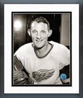 Detroit Red Wings Bill Gadsby Posed Framed Photo