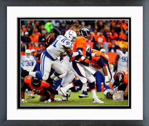 Indianapolis Colts Jonathan Newsome 2014 Playoff Action Framed Photo