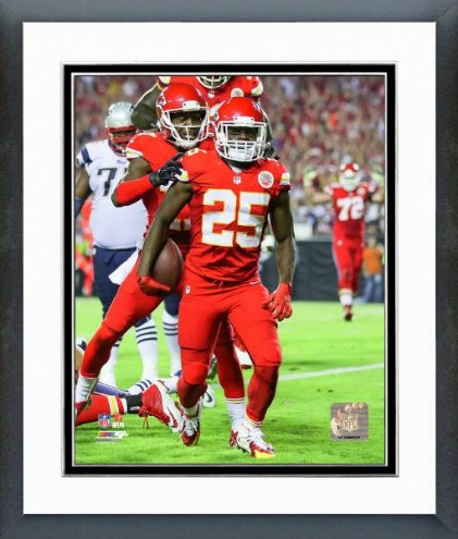 Kansas City Chiefs Jamaal Charles Action Framed Photo