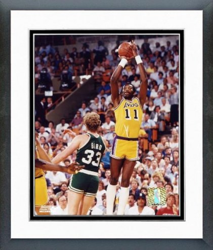 Los Angeles Lakers Bob McAdoo Action Framed Photo