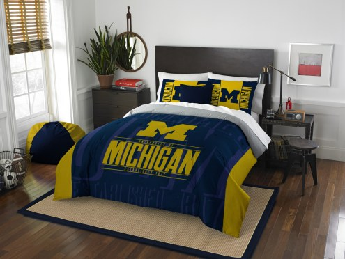 Michigan Wolverines Modern Take Full/Queen Comforter Set