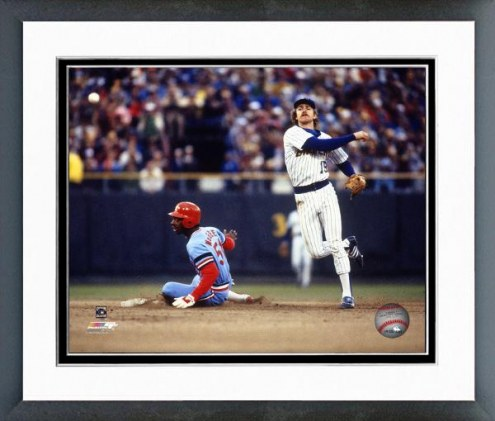 Milwaukee Brewers Robin Yount 1982 Action Framed Photo