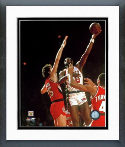 Milwaukee Bucks Bob Lanier Action Framed Photo