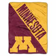 Minnesota Golden Gophers Halftone Raschel Blanket