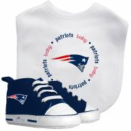New England Patriots Infant Bib & Shoes Gift Set