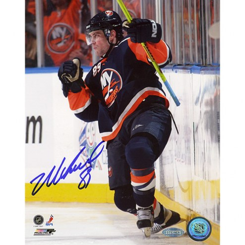 """New York Islanders Mike Comrie Fist Pump Signed 16"""" x 20"""" Photo"""