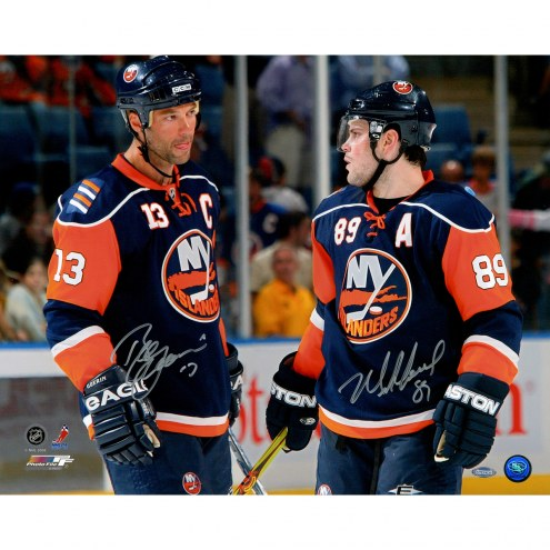 """New York Islanders Mike Comrie Talking with Bill Guerin Signed 16"""" x 20"""" Photo"""