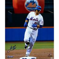 """New York Mets Lucas Duda Rounding the Bases Signed 16"""" x 20"""" Photo"""