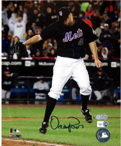 New York Mets Oliver Perez Jumping Over Foul Line Signed 8 x 10 Photograph