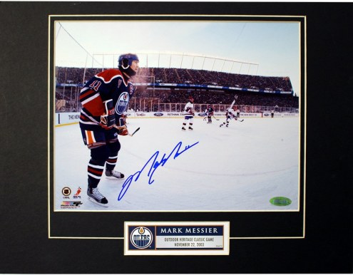 New York Rangers Mark Messier Signed Outdoor Heritage Classic Game