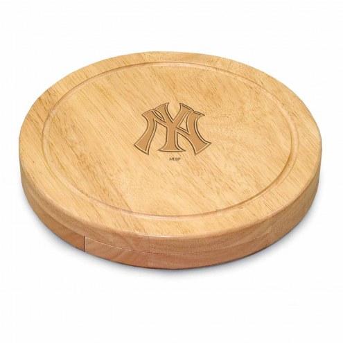 New York Yankees Circo Cutting Board