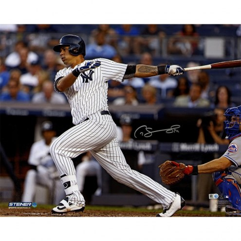 New York Yankees Gary Sanchez Signed Swinging 16 x 20 Photo