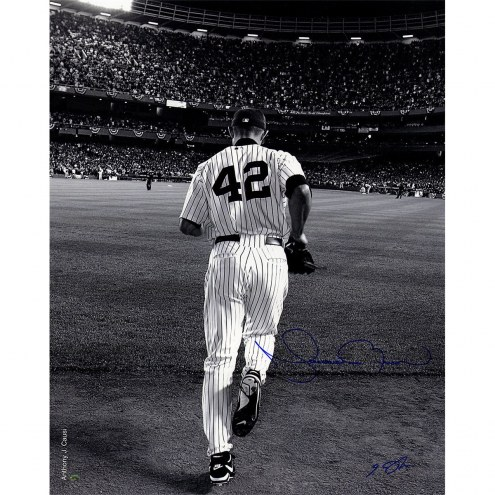 New York Yankees Mariano Rivera 2006 Entering The Game B&W 16 x 20 Photo (Signed By Anthony Causi)