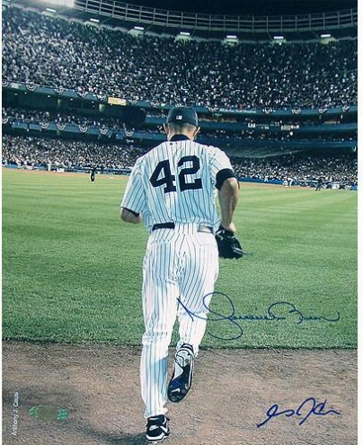 New York Yankees Mariano Rivera Signed 2006 Entering The Game Color 8 x 10 Photo (Signed by Causi)