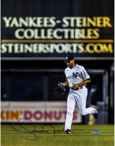 New York Yankees Mariano Rivera Signed Entering The Game 11 x 14 Photo