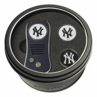 New York Yankees Switchfix Golf Divot Tool & Ball Markers