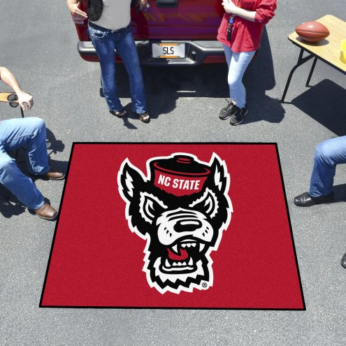 North Carolina State Wolfpack Wolf Head Tailgate Mat