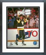 Pittsburgh Penguins Mario Lemieux with cup Framed Photo