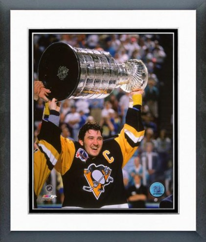 Pittsburgh Penguins Mario Lemieux With Stanley Cup Framed Photo