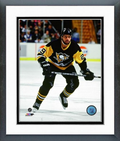 Pittsburgh Penguins Phil Bourque 1991 Action Framed Photo