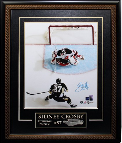 Pittsburgh Penguins Sidney Crosby Signed Framed 16 x 20 Photo