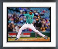 Seattle Mariners Roenis Elias Action Framed Photo