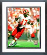 Washington Redskins Doug Williams Looking for receiver Framed Photo