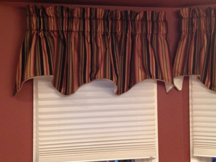 Charmant Mateo Stripe Valance   Black